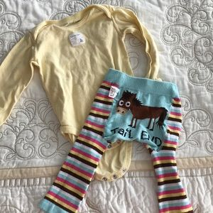 Adorable striped leggings with matching top 6-12M